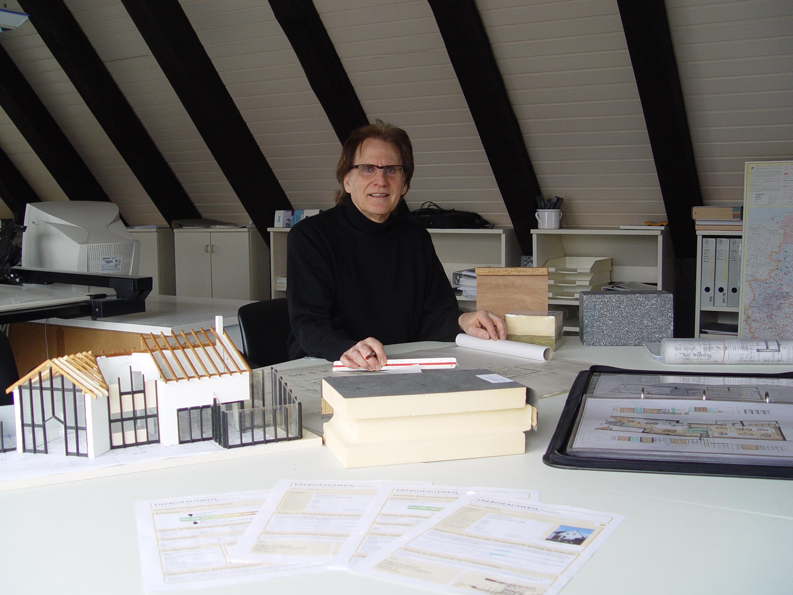 Dipl.- Ing. Architekt Wolfgang Hundertmark